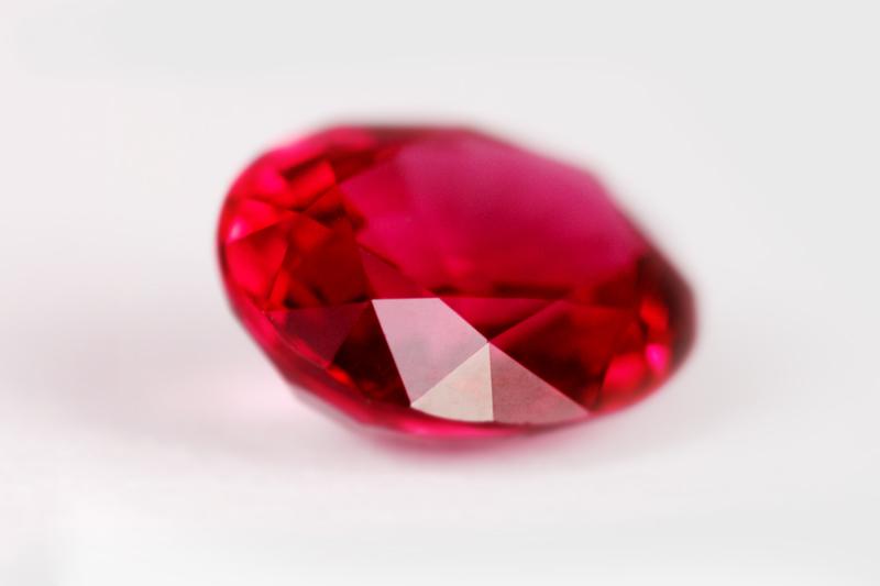 Una pietra di rubino
